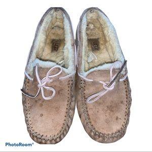 UGG Tan Dakota Slippers Moccasins Shoes size 8